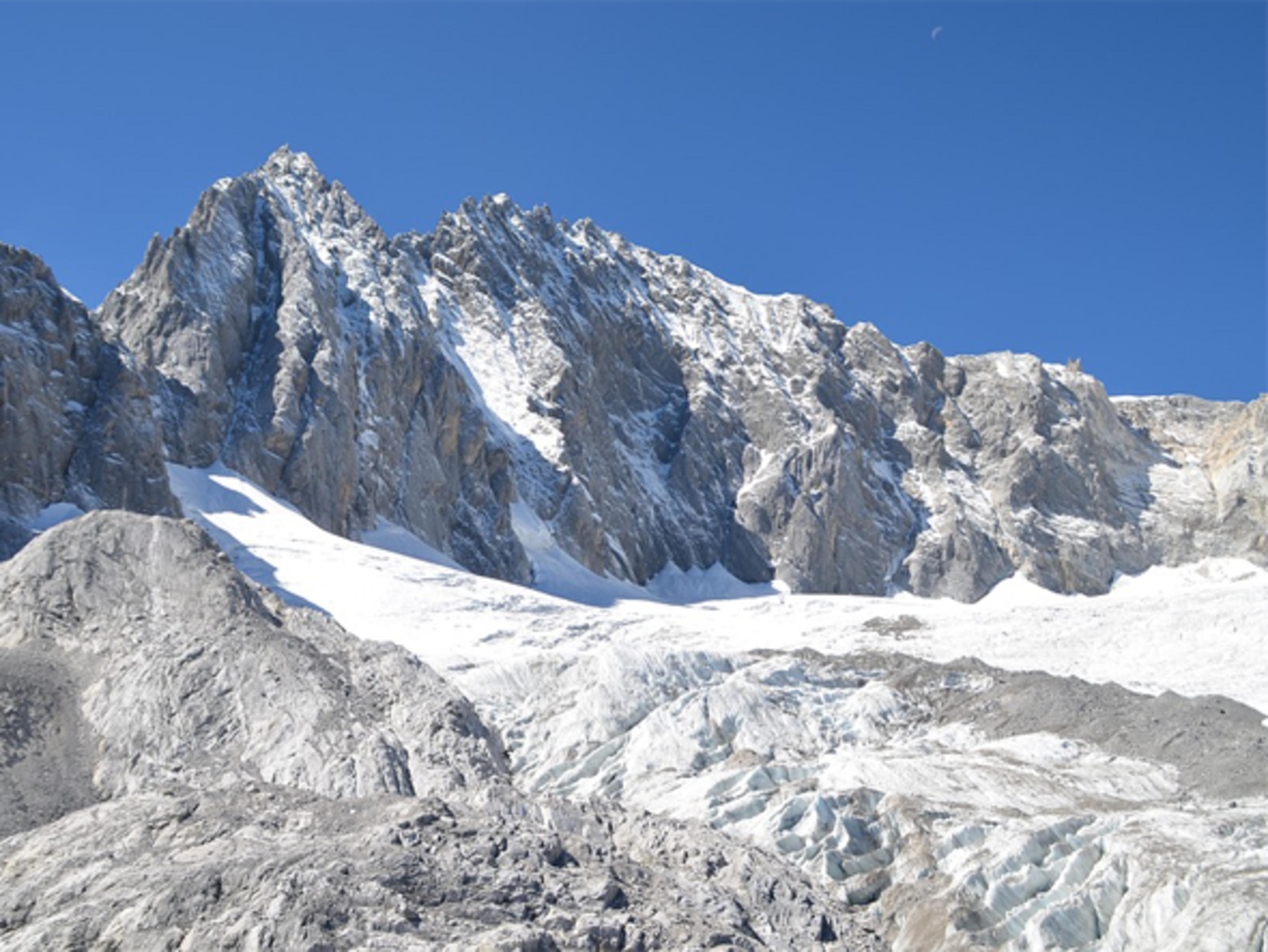 """เที่ยวคุนหมิง เยือนดินแดน แห่งความมหัศจรรย์ """"ภูเขาหิมะเจี้ยวจื่อ"""" ขอพรสิ่งศักดิ์สิทธิ์ เขาซีซาน 4วัน 2คืน"""
