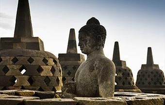 ทัวร์อินโดนีเซีย บาหลี บุโรพุทโธ มหัศจรรย์ มหาสถูปพุทธที่ใหญ่ที่สุดในโลก