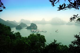 ทัวร์เวียดนาม ฮานอย ฮาลอง นิงห์บิงห์ SKY & SEA IN VIETNAM 3วัน2คืน By SL