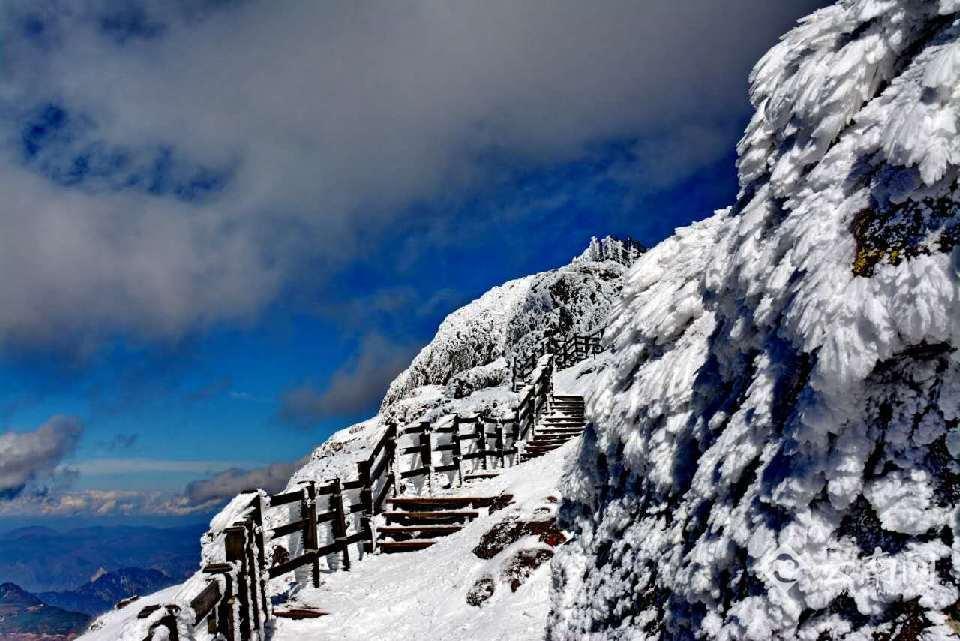 ทัวร์จีน คุนหมิง ภูเขาหิมะเจียวจื่อ 4 วัน 3 คืน