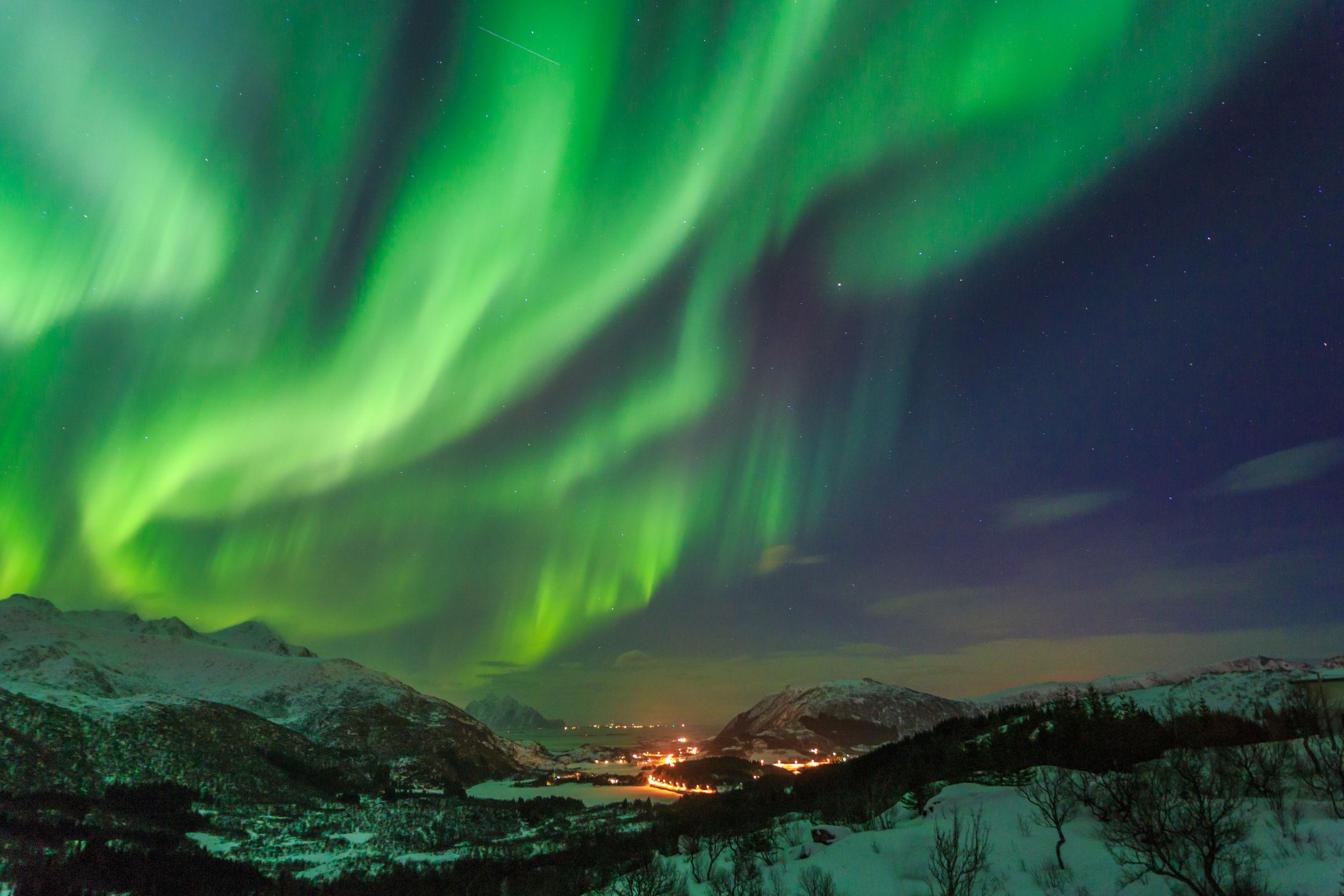 ไอซ์แลนด์ (ล่าแสงเหนือ) 8 วัน AY
