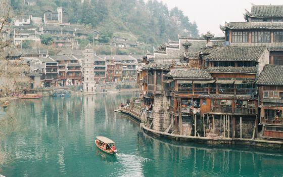 ทัวร์จีน จางเจียเจี้ย ล่องเรือถัวเจียง เมืองโบราณฟ่งหวง ไม่เข้าร้านรัฐบาล