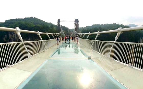 ทัวร์จีน จางเจียเจี้ย สะพานแก้ว ถ้ำประตูสวรรค์ พิพิธภัณฑ์หม่าหวังตุย ไม่เข้าร้านรัฐบาล