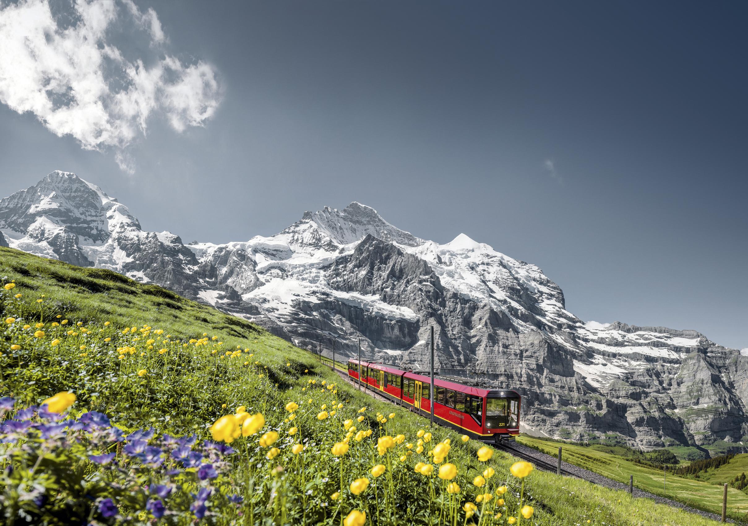 ทัวร์ยุโรป อิตาลี สวิตเซอร์แลนด์ ฝรั่งเศส ขึ้นยอดเขายุงค์ฟราวยอค นั้ง TGV เข้าสู่ปารีส