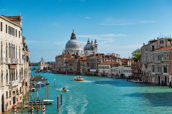 EK033 อิตาลีเหนือ 7 วัน **ไม่รวมวีซ่าและค่าทิป**