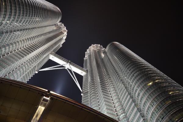 (FULLBOARD) 4 วัน 3 คืน ล่องเรือสำราญ ทริปเดียวเที่ยว 2 ประเทศ กัวลาลัมเปอร์-สิงคโปร์ รวมตั๋วเครื่องบิน โรงแรมที่สิงคโปร์ 1 คืน ทัวร์ที่สิงคโปร์ 1 วันครึ่ง พร้อมหัวหน้าทัวร์มืออาชีพ